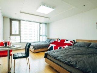 Hongdae Hapjeong Residence M8 - Seoul vacation rentals