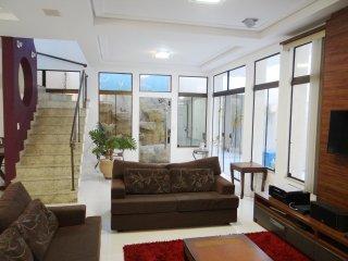 Casa alto padrão no centro de Foz - Foz de Iguassu vacation rentals