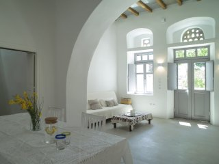 Nice Guest house with Microwave and Housekeeping Included - Mesi vacation rentals
