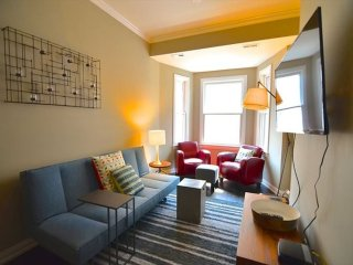Furnished 2-Bedroom Apartment at N Clark St & North Broadway Chicago - Chicago vacation rentals