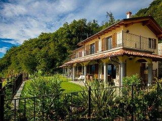 Nice 3 bedroom Menaggio Villa with Internet Access - Menaggio vacation rentals
