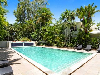 Lovely House with A/C and Shared Outdoor Pool - Port Douglas vacation rentals