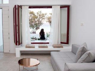 Romantic 1 bedroom Apartment in Pollonia - Pollonia vacation rentals