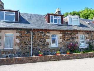 KINTYRE COTTAGE, terraced, open fire, garden, Carradale, Campbeltown, Ref 22753 - Campbeltown vacation rentals