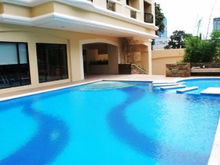 Luxury Fully Furnished 1BR Flat Quezon City ABSCBN - Quezon City vacation rentals