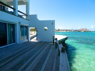 TROPICAL GETAWAY BY THE BEACH - Nassau vacation rentals