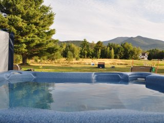 Mount Hale  queen gas fireplace/AC with kitchen - Twin Mountain vacation rentals