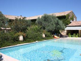 Mas des Oliviers - Mas en Provence - Serignan-du-Comtat vacation rentals