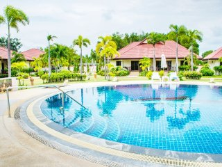 3BR House Villa Rayong Gated Pool Internet Air Con - Klaeng vacation rentals
