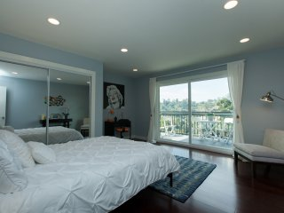 Eat, Sleep, Relax! Private, Tranquil Hilltop 2br - Los Angeles vacation rentals
