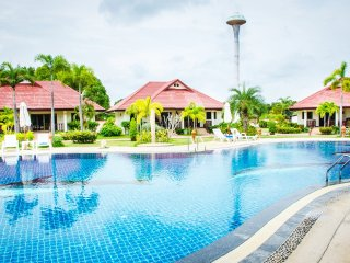 Rayong 3 Bed Villa Pool Internet Air Con Gated - Klaeng vacation rentals
