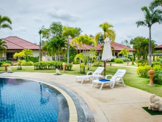 2 Bed Villa Rayong Pool Internet Air Con Gated - Phe vacation rentals