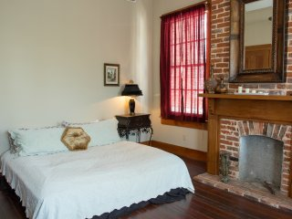 Spacious Room in Lower Garden Historic Home - New Orleans vacation rentals