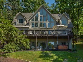 Exquisite 5 Bedroom Luxury Lakefront home with private dock & hot tub! - Oakland vacation rentals