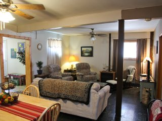 Beautiful Bungalow with Internet Access and A/C - Dayton vacation rentals
