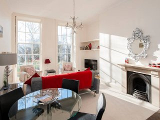 Peaceful City Centre Apartment, sleeps 4 - Bath vacation rentals
