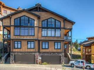 Big White luxury chalet close to the village center with 4 bedrooms - Big White vacation rentals