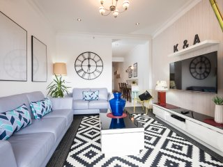 Bondi Beach Front- The Clock House - Bondi vacation rentals