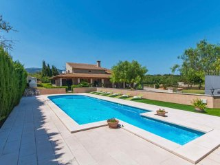 Villa with pool in the Mallorcan countryside - Lloseta vacation rentals