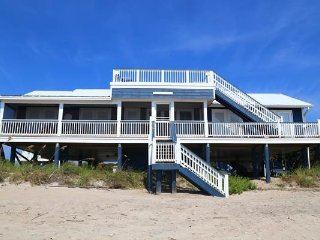 "142 Palmetto Blvd - ""Carolina Escape"" - Edisto Beach vacation rentals"