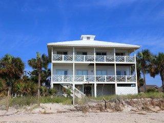 "202 Palmetto Blvd - ""Island Manor"" - Edisto Beach vacation rentals"