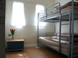 Two Single Beds in a Double Room with Breakfast - London vacation rentals