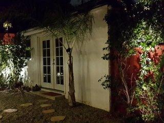 Private Silver Lake/Los Feliz Garden Guesthouse! - Los Angeles vacation rentals