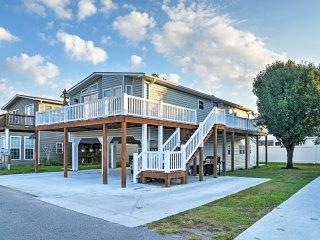 NEW! 3BR Surfside Beach House w/ Wraparound Deck! - Surfside Beach vacation rentals