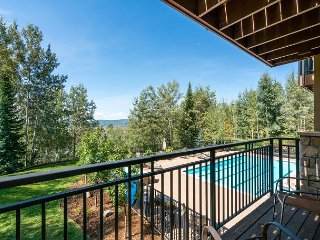 Wooded Retreat in Steamboat Springs - Communal Pool & Minutes to Skiing - Steamboat Springs vacation rentals
