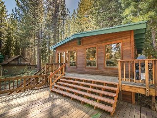 Charming & Private 2BR Cabin with Large Deck & BBQ. Pets Welcome! - South Lake Tahoe vacation rentals