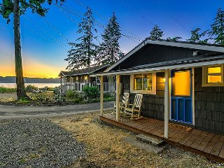 Beach and Blvd Bungalow on Sundin Beach – North End of Camano Island - Camano Island vacation rentals