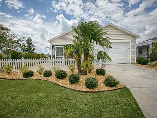 Corner lot patio villa in a great location with complimentary golf cart. - The Villages vacation rentals
