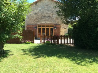 Orchard Common. 2 bedroom Gite in converted barn. - Villefagnan vacation rentals