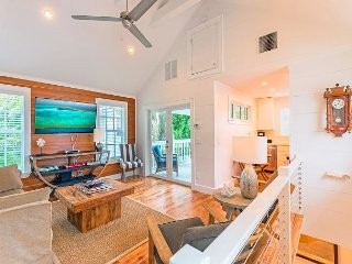 Petite Maison - Key West Cottage: Sleeps 4 Steps from Everything! Parking Too - Key West vacation rentals