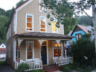 4 BR Gondola District Home-5 minute walk everything-Skiing-Private Hot Tub - Telluride vacation rentals