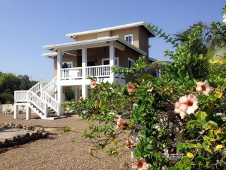 Kat Kasa - 3 Bedroom Home with Private Beach - Placencia vacation rentals