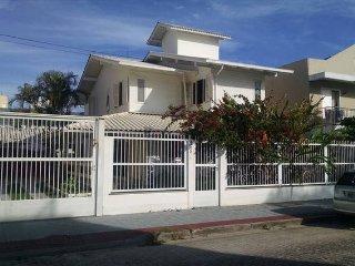 Cozy 3 bedroom Canasvieiras House with Internet Access - Canasvieiras vacation rentals