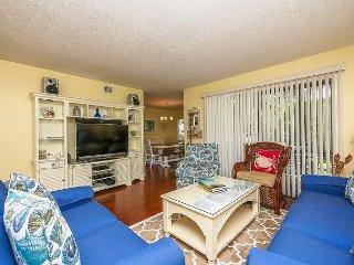 2311 Racquet Club-Beautiful 1st floor flat quick walk to Harbour Town! - Hilton Head vacation rentals