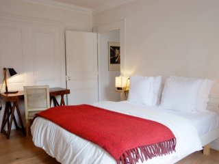 Romantic 1 bedroom Condo in Lyon with Internet Access - Lyon vacation rentals