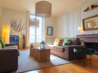 EXTENDED CITY-SUITE N°1 BELLECOUR - Lyon vacation rentals