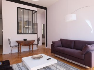 2 bedroom Condo with Internet Access in Lyon - Lyon vacation rentals