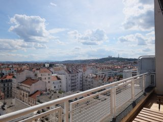 Cozy 1 bedroom Lyon Apartment with Internet Access - Lyon vacation rentals