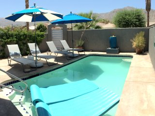 """Every Day's a Holiday""/Upscale Amenities Galore! - La Quinta vacation rentals"