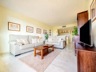 Cozy 2 bedroom Apartment in Punta Prima with Internet Access - Punta Prima vacation rentals