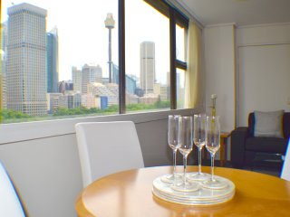 Superb Hyde Park Local & Views 806 - Sydney vacation rentals