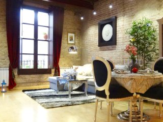 NEW !!! •2BDR• Luxury • Heart • Gotico • Level 5★ - Barcelona vacation rentals