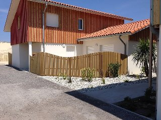 4 bedroom Villa in Biscarosse, Les Landes, France : ref 2242616 - Biscarrosse vacation rentals