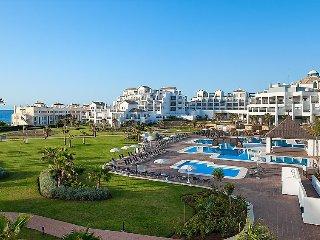 2 bedroom Apartment in Estepona, Costa del Sol, Spain : ref 2252922 - Bahia Dorada vacation rentals
