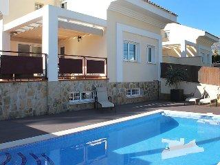 4 bedroom Villa in La Nucia, Costa Blanca, Spain : ref 2253169 - L'Alfas del Pi vacation rentals