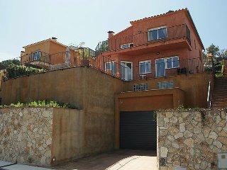 4 bedroom Villa in Blanes, Costa Brava, Spain : ref 2285945 - Blanes vacation rentals